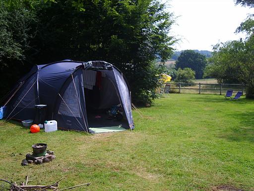 Emplacement du petit camping à la ferme de La p'Thite Marmande